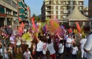 El Nou Casal i Aspayfacos van omplir ahir dijous de colors el carrer de l'Estació