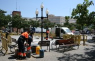 L'Ajuntament comença a reparar el terra de la plaça d'Antoni Baqué