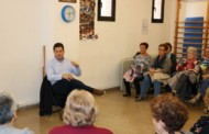 El alcalde mantiene un encuentro con la ciudadanía en el Casal d'Avis