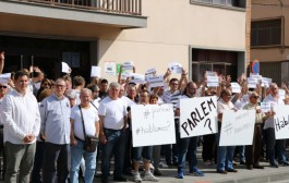 Concentració a la Llagosta per demanar una sortida dialogada a la situació que es viu a Catalunya