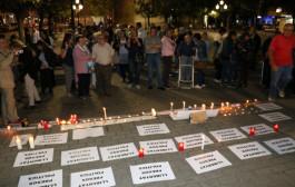 La plaça d'Antoni Baqué va acollir ahir al vespre una altra manifestació en suport als presidents de l'ANC i Òmnium