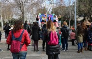 Famílies, professores, veïns i veïnes celebren els 10 anys de l'Escola Bressol Cucutras