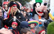 Centenars d'infants participen a la rua infantil de Carnaval