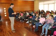 L'alumnat de quart de l'Escola Sagrada Família ha realitzat aquest matí una visita a l'Ajuntament