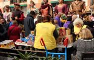La Colla Gegantera de la Llagosta recull més de 80 quilos d'aliments per a Rems
