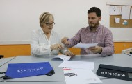 L'Ajuntament i Llagosta Language Center signen un nou conveni