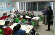 Alumnes de l'Escola Gilpe impulsen un projecte per implantar codis QR a 11 plaques de carrer