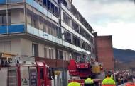 Un foc va cremar ahir a la tarda quatre balcons al carrer de la Riera Seca