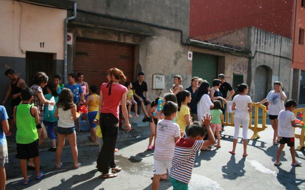 Famílies i infants celebren el final de curs del Nou Casal