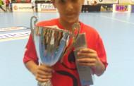 El llagostenc Miguel Chica guanya amb l'aleví del BM la Roca la Granollers Cup