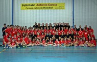 La selecció catalana femenina d'handbol entrena a la Llagosta