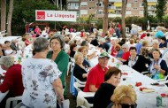 150 persones acompanyen el PSC de la Llagosta a la Festa de la Rosa, a Gavà