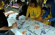 La Fundació Síndrome 5P- omple la plaça amb els seus colors