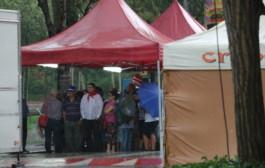 La pluja trasllada les activitats 'Frozen Scenes' i 'Red dance' al Centre Cultural i suspèn la ballada de sardanes