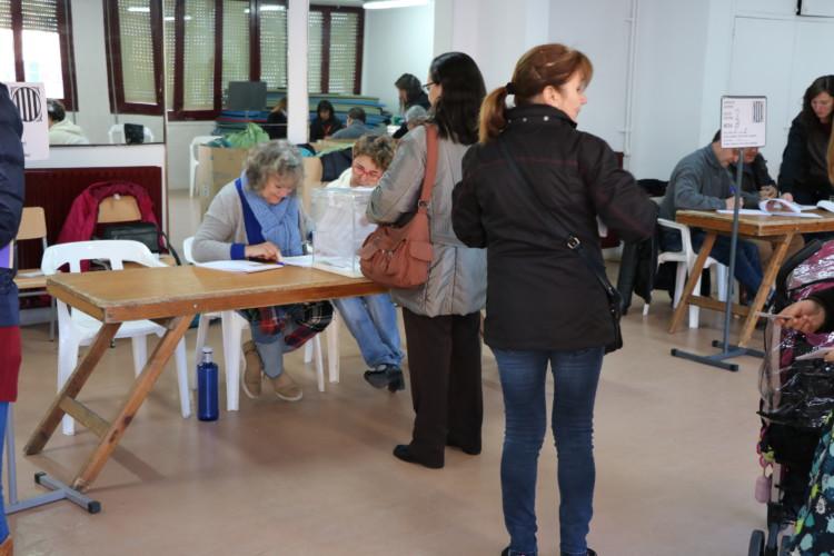La participació a la Llagosta en les eleccions al Parlament era del 36,58% a la una del migdia
