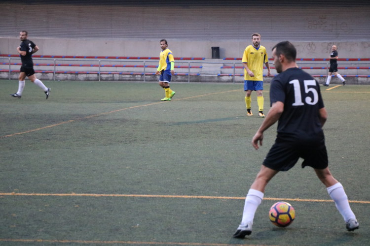 El Viejas Glorias goleja (2-6) el Juventus Alarona