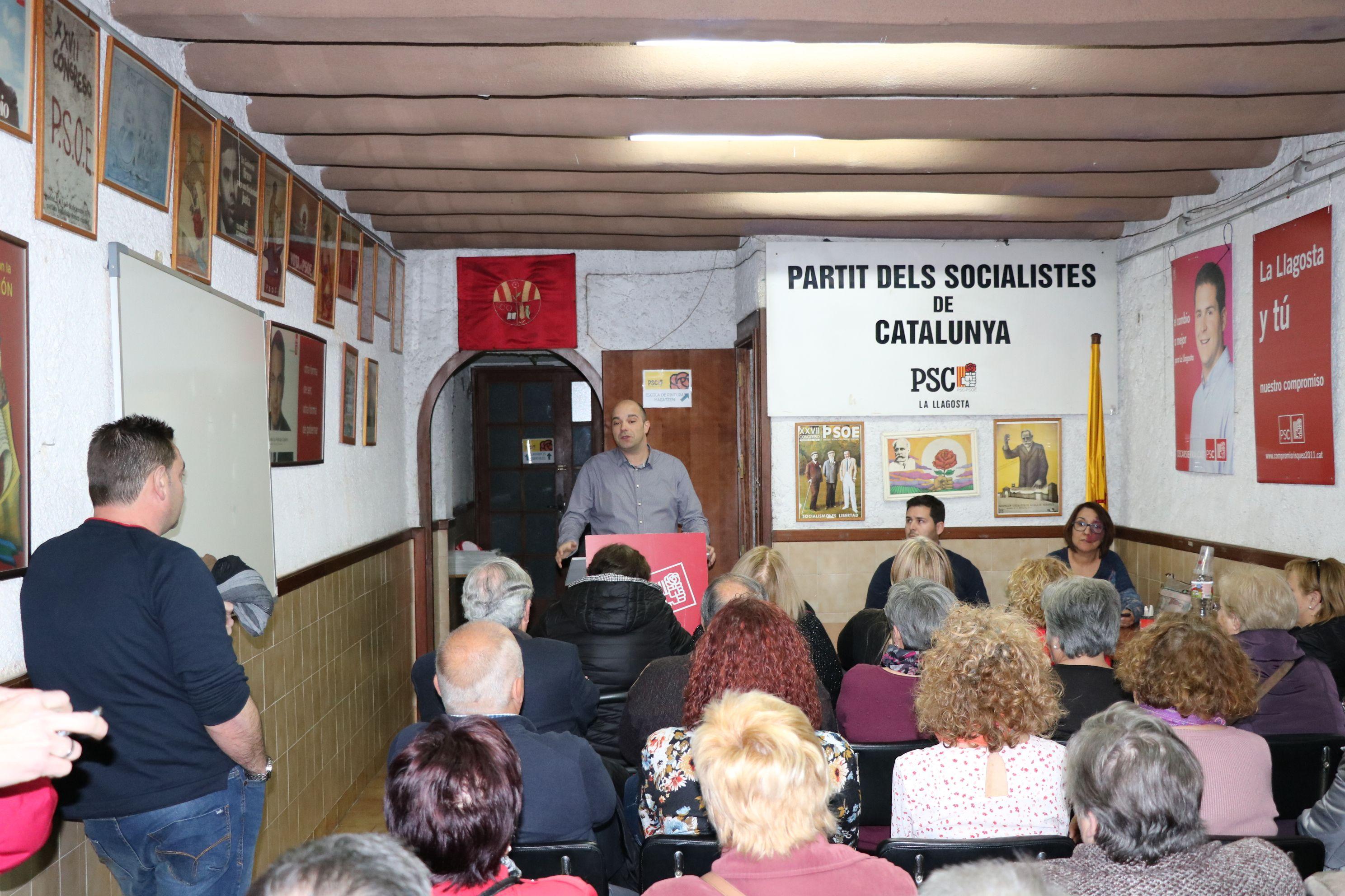Ple de gom a gom al PSC de la Llagosta en l'acte sobre pensions dignes
