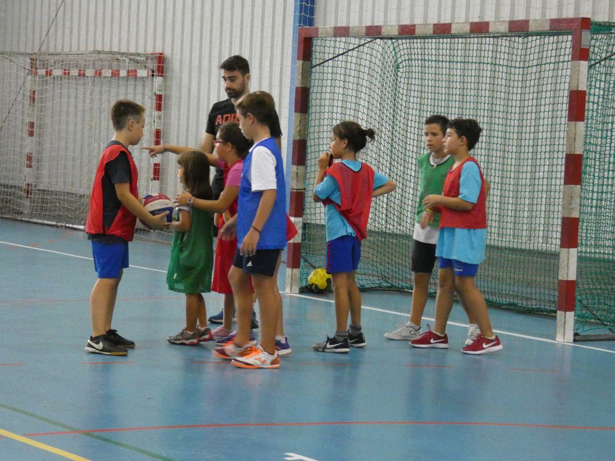 Una vintena d'infants participen aquesta setmana al Casal Multiesportiu d'Estiu