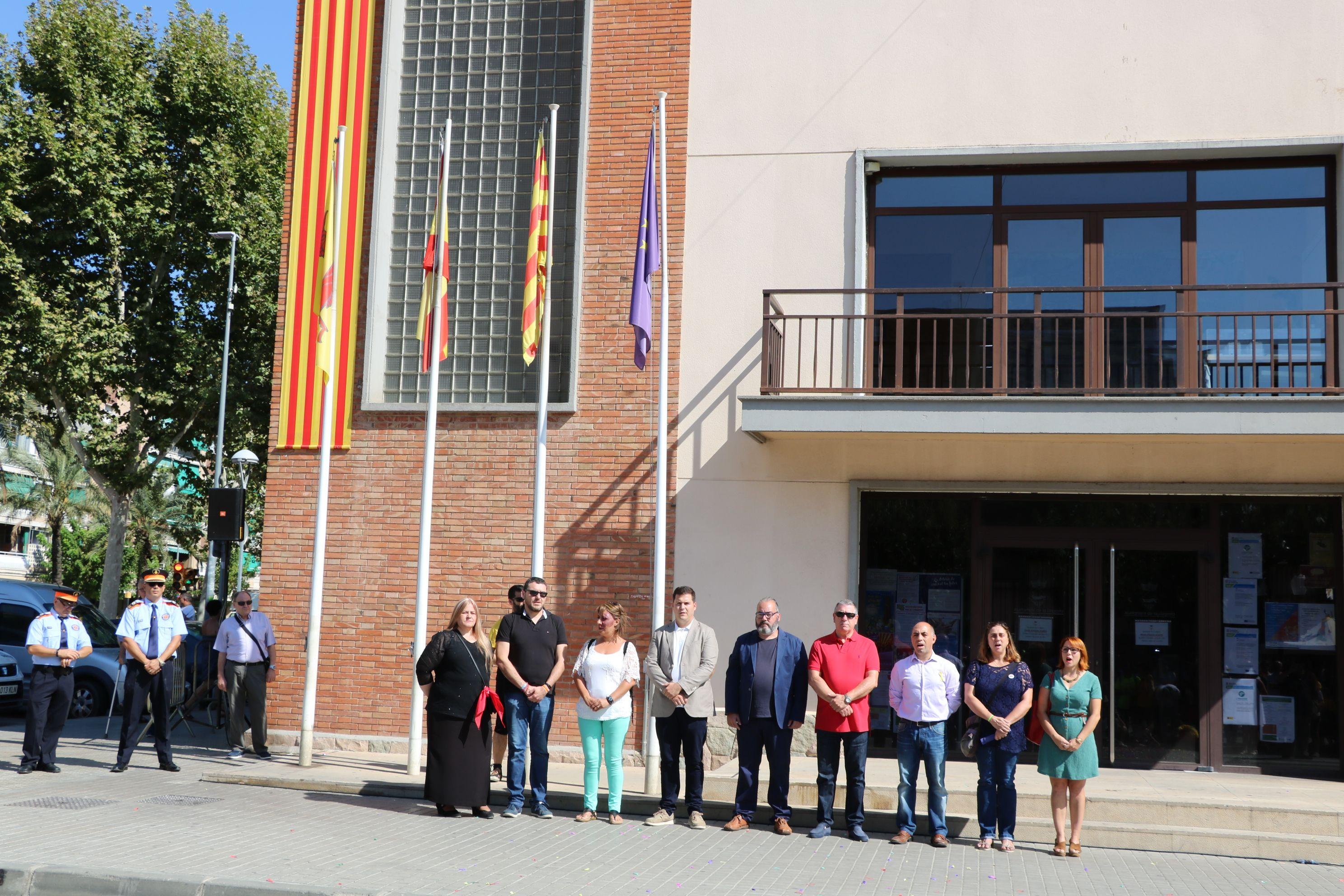 Hissada de la senyera i Homenatge a Catalunya