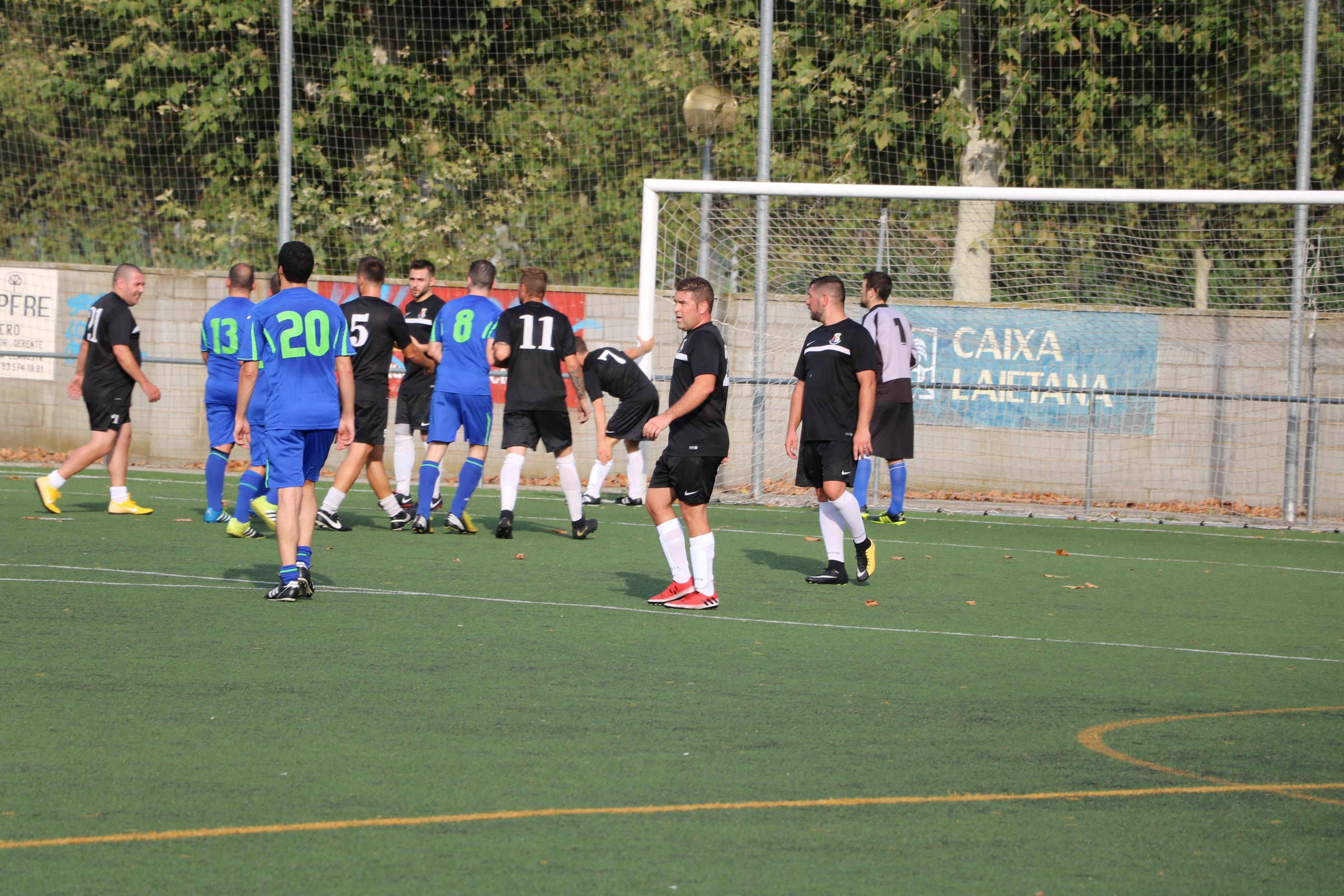 El CD Viejas Glorias guanya a l'Amics Masnou i puja a la quarta posició