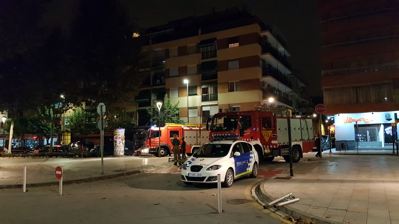 Un pis de l'avinguda de l'Onze de Setembre va patir ahir un despreniment del sostre