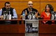 José Ramón Vera va presentar la seva nova novel·la a una Sala de plens plena de gom a gom