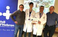 La Murga lliura 2.900 euros a l'Hospital de la Vall d'Hebron  per a la recerca sobre l'ELA