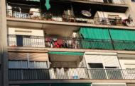 Encara no se sap quan podran tornar a casa els veïns del bloc afectat per l'incendi de dissabte