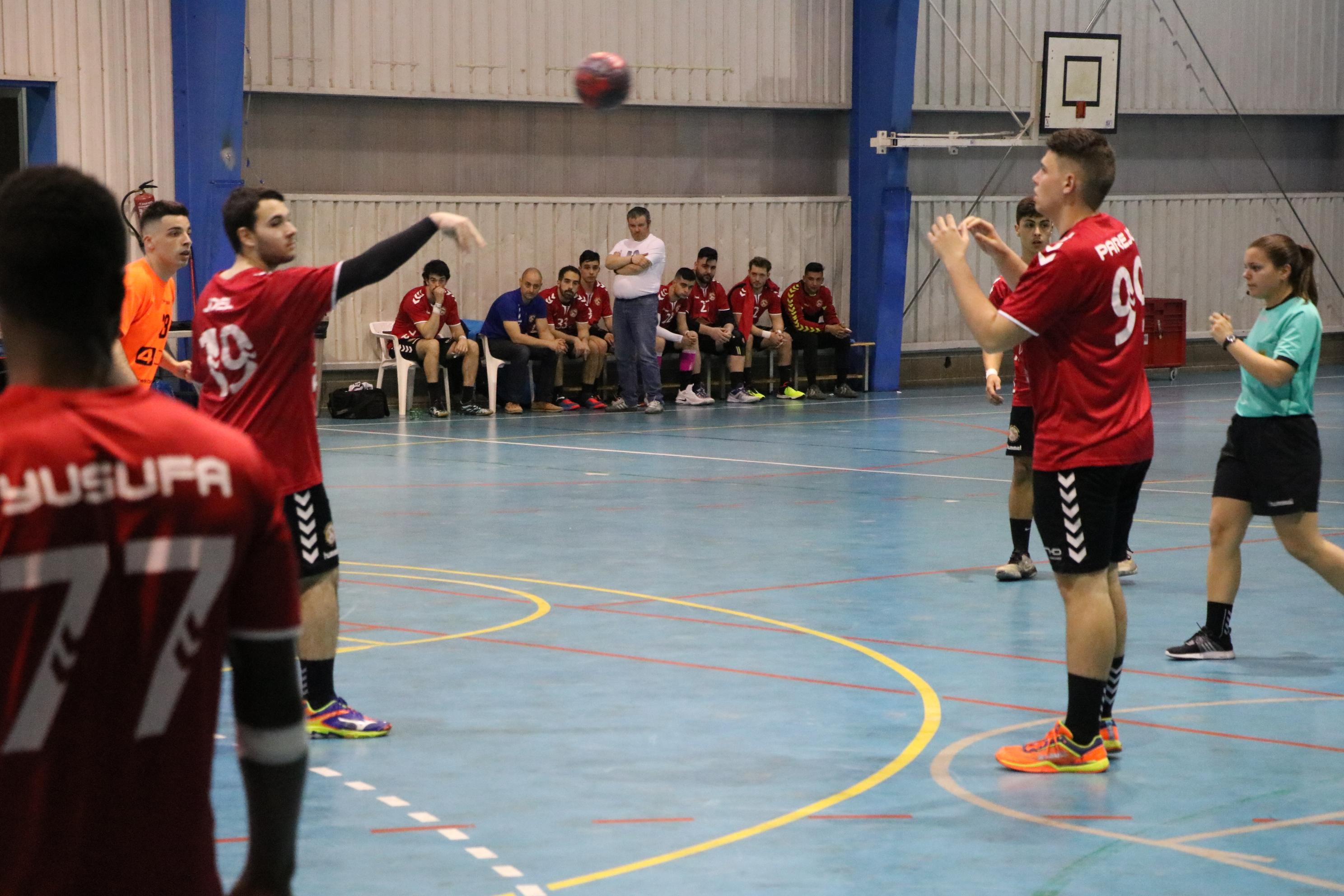 Victòria del Joventut Handbol contra el penúltim, el Sant Joan Despí C, (30-25)