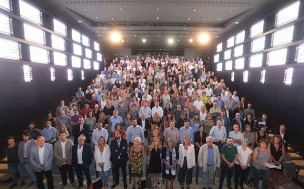Front comú dels ajuntaments contra l'amenaça d'Endesa