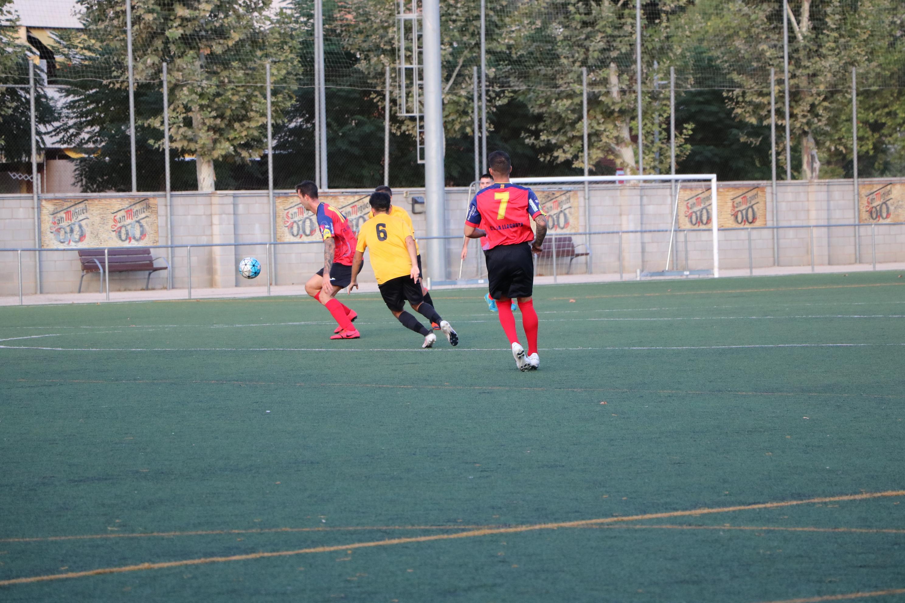 El CE la Llagosta venç l'EFB Sentmenat (2-1) i suma la segona victòria