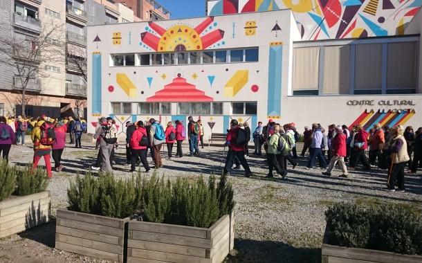 La passejada de la gent gran per la Llagosta i el seu entorn va aplegar 160 persones
