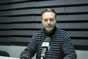Adelino Macías.