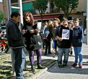 Els alumnes a la plaça de Pere Quart