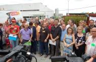 L'equip de govern assiteix a la concentració solidària de la plantilla de Valeo