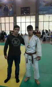 Bogdan Ivancea amb el bronze. Fotografia: Club Judo Karate la Llagosta.