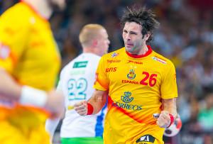 EHF EURO 2016. Breslau (Polen), 18. Januar 2016. In der Gruppe C trifft Slowenien (weiß) am zweiten Spieltag auf Spanien (gelb).