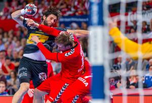 EHF EURO 2016. Breslau (Polen), 27. Januar 2016. In der Hauptrunden-Gruppe 2 trifft Spanien (schwarz) auf Russland (rot).