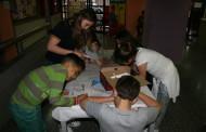 Els infants 'Atrapallibres' de la Biblioteca i la Gilpe celebren un col·loqui