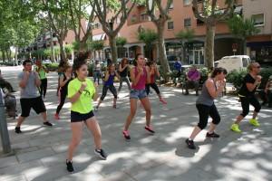 Participants en la classe de body combat.