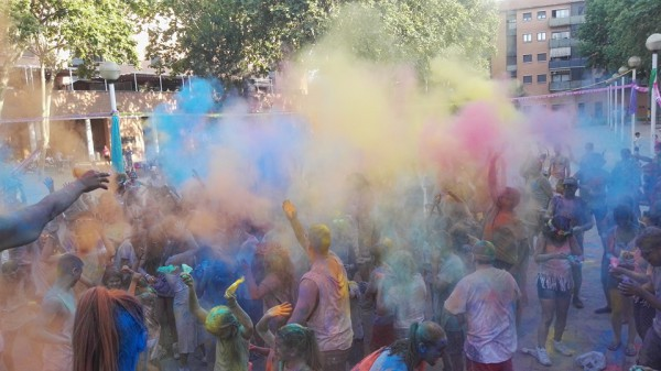 2n Colours Saltats Festival