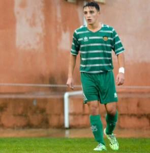 Albert Corzo amb el juvenil de Divisió d'Honor del Cornellà. Fotografia: Twitter Albert Corzo.