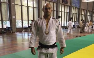 Héctor Roura amb la medalla de plata. Fotografia: Juan Carlos Cerrudo
