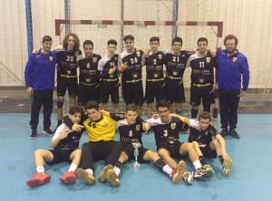 L'equip del BM la Roca. Imatge del twitter del Joventut Handbol.