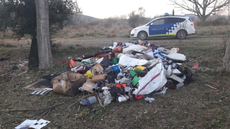 L'Ajuntament multarà dues empreses per abocar residus a la zona de Can Donadéu