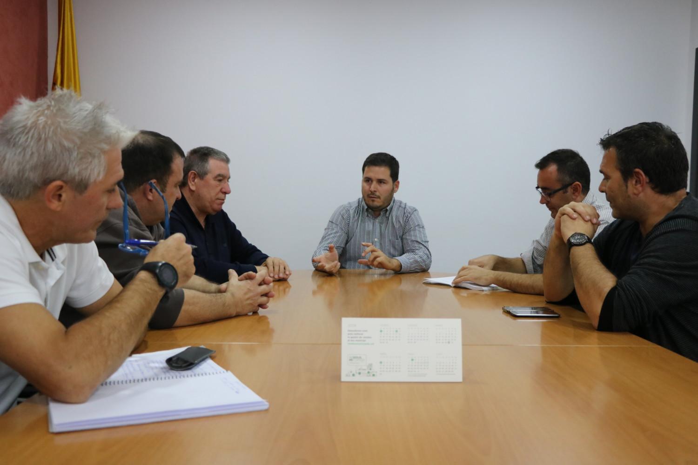 L'alcalde de la Llagosta mostra el suport de l'Ajuntament als treballadors de Capresa