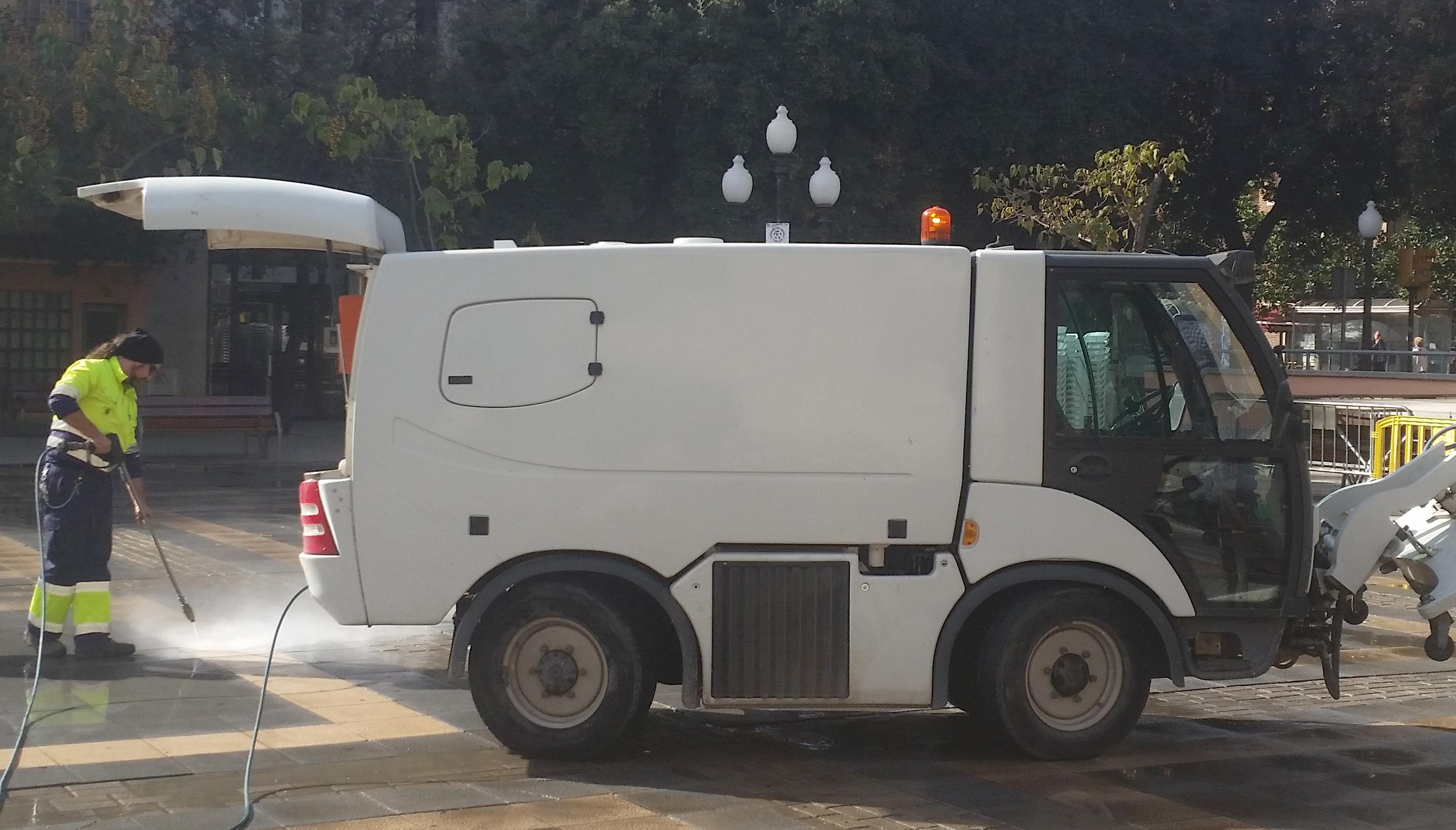 Tornen les neteges integrals de carrers