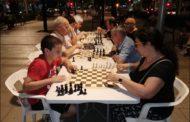 El Club Escacs Can Pelegrí organitza partides a la fresca