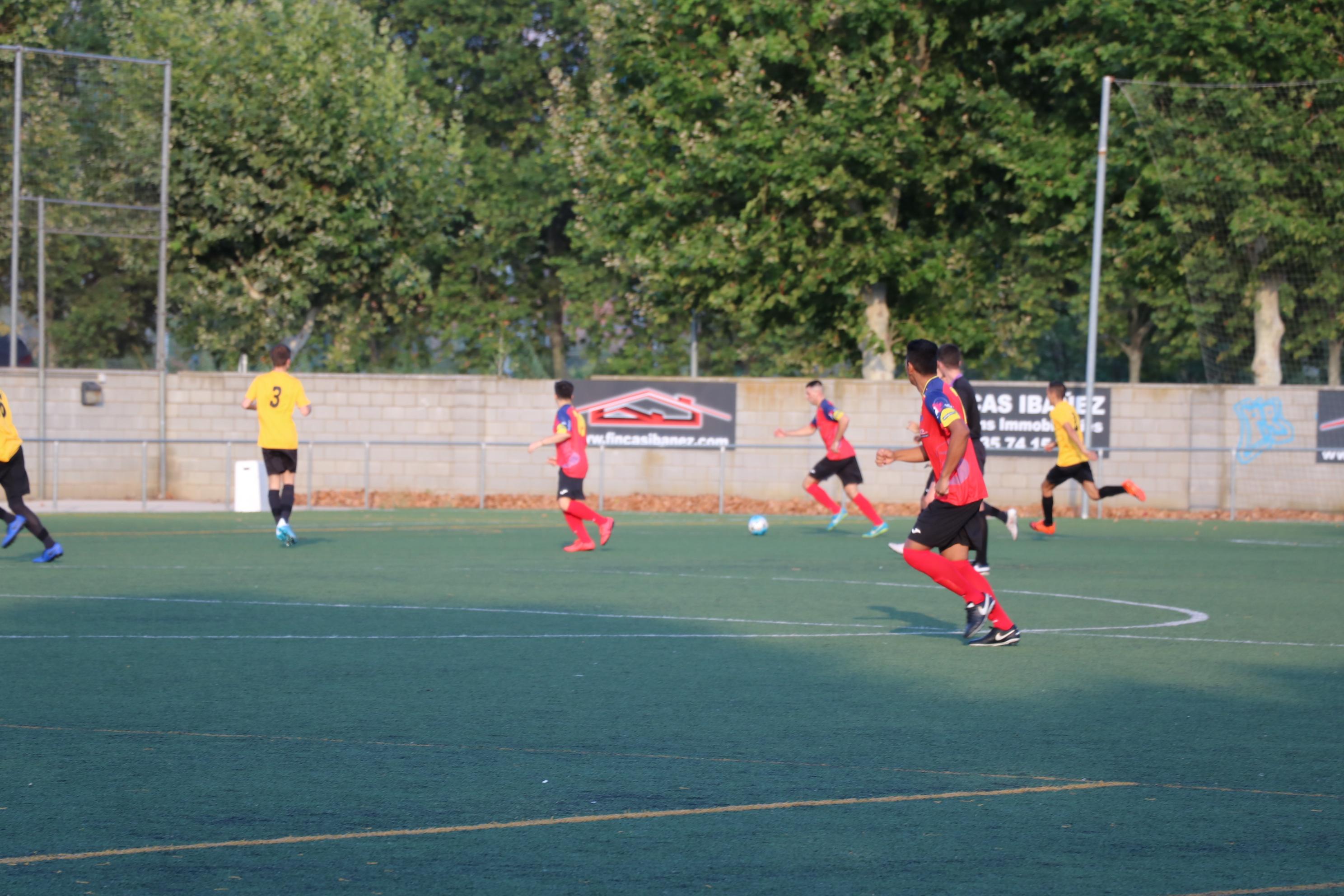 El CE la Llagosta perd per la mínima contra l'Escola de Futbol Barberà Andalucía B (1-0)