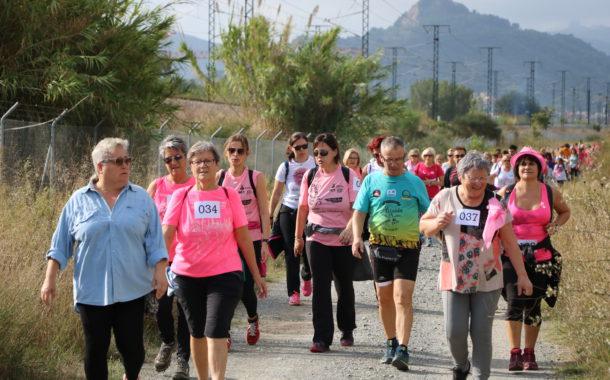 Més de 200 persones, a la Caminada contra el càncer de mama